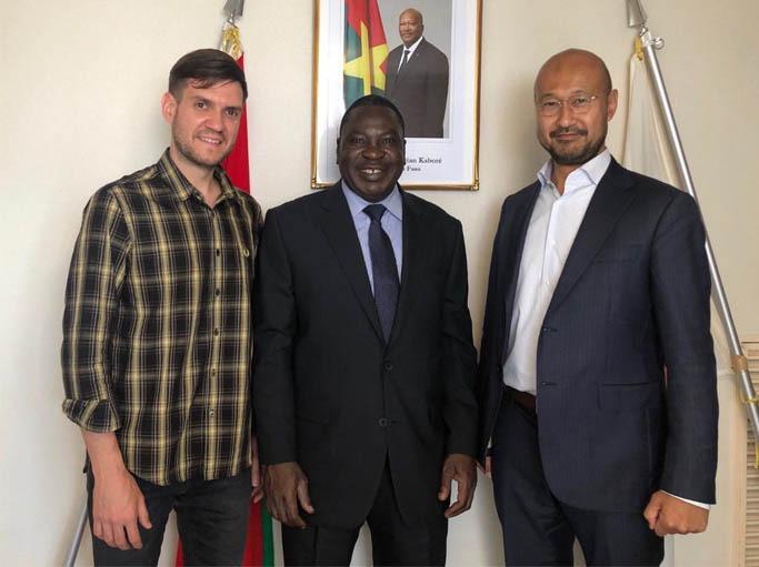 Jeff Quigley and Matsuoka Nobuske held a meeting with Burkina Faso's Ambassador to Japan